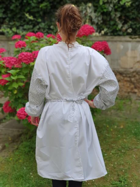 Sur-blouse lavable blanche manches à pois
